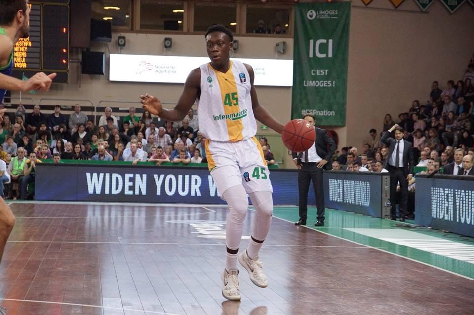 Le jeune Sekou Doumbouya absent des terrains 5 à 7 semaines !