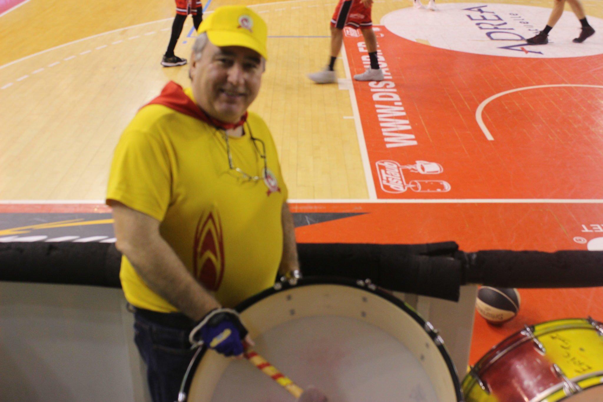 """Patrick Aubert : """"Je mets l'ambiance dans les tribunes en tapant sur les tambours…"""""""