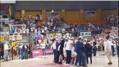 Photo of Vidéo : La joie des joueurs d'Orléans après leur victoire en finale synonyme de montée en Jeep Elite !